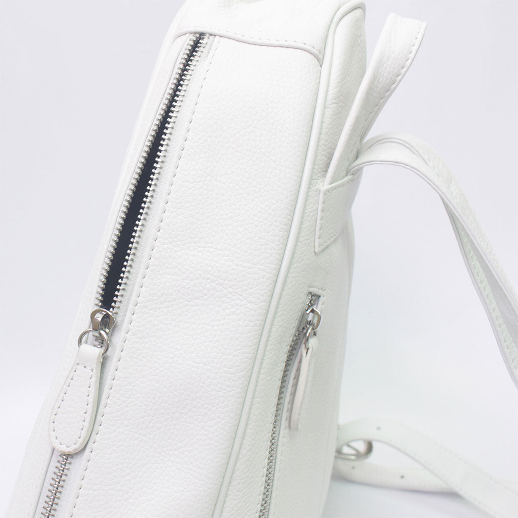 TAT_whysoserious_backpack_14596_white-side with zipper