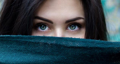 How to Choose the Most Natural Looking Coloured Contact Lenses