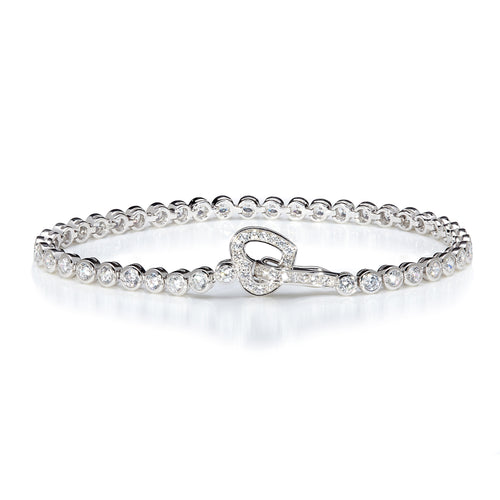 LINE BRACELET WITH HEART CLASP