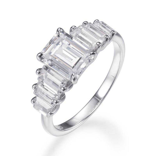 EMERALD CUT RING WITH TAPERING BAGUETTES