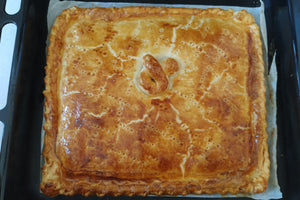 Savoury Spanish Pie (4-6 pax) (tuna / v) *