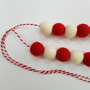 Christmas Felt Ball Garland Aromatherapy Diffuser Red & White - Home & Car Diffuser / Freshner - Altruis Living