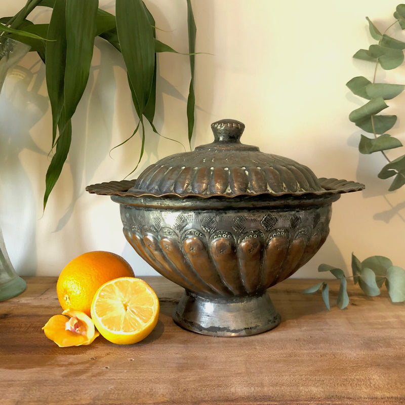 Centrepiece Candle - Ornate Copper Dish