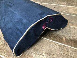 Vertex Pink horse Silhouette in Dark Blue