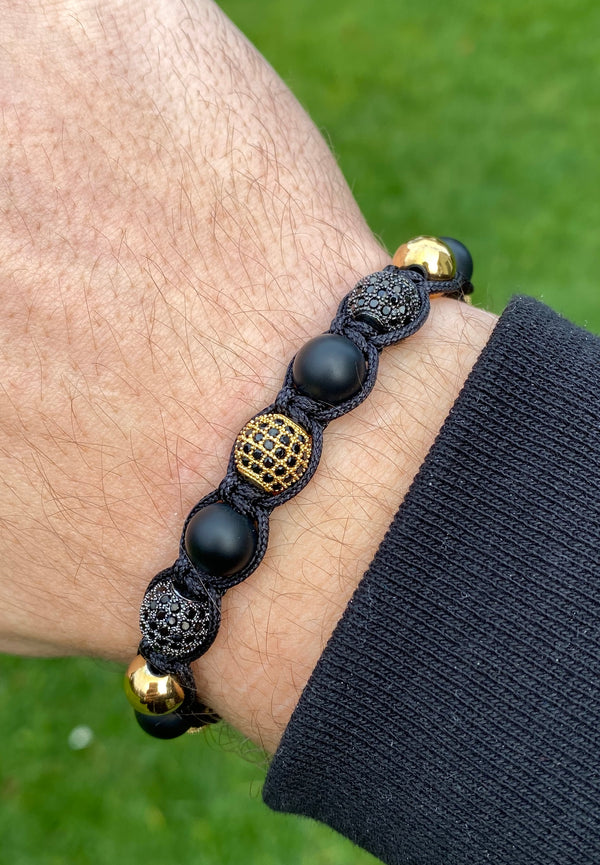 Black and gold beads bracelet