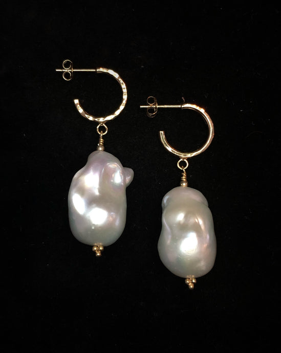 Baroque freshwater pearl earrings with hoop XL