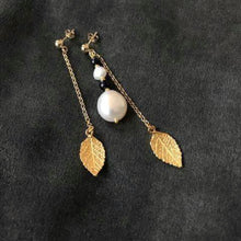Load image into Gallery viewer, Leaf & freshwater pearl earrings