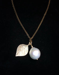 Baroque freshwater pearl Necklace with leaf
