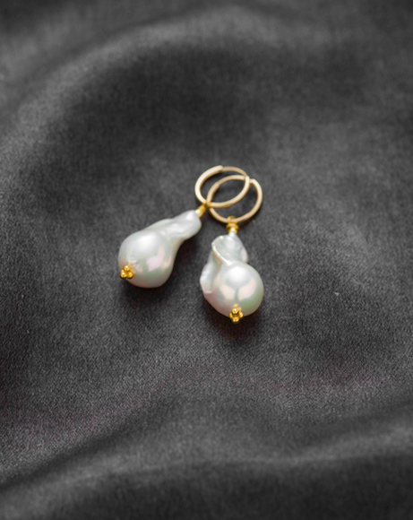 Baroque freshwater pearl earrings Small