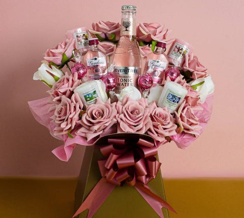 Pink Gin and Tonic, Lindor & Yankee Candle Bouquet Gift Set ¦ Birthday Gifts
