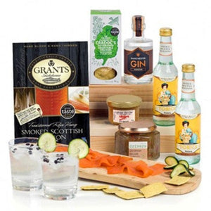 Manchester Gin Signature ¦ Gin & Savory Snacks Gift Basket ¦ A Wine Lovers
