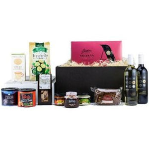 Wine & Wonders Deluxe Basket ¦ Wine & Gourmet Gift ¦ A Wine Lovers