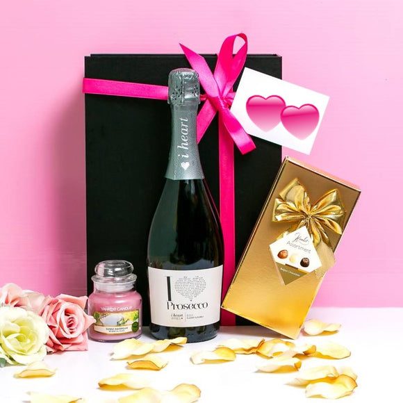 Yankee Candle, Prosecco and Belgian Chocolates Hamper ¦ A Wine Lovers