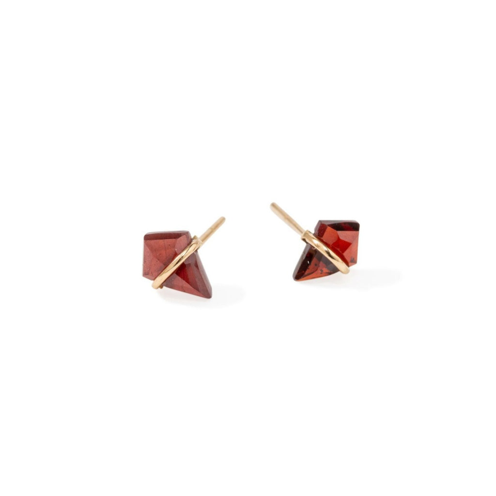 Handmade 18kt gold kite stud earrings with garnet..