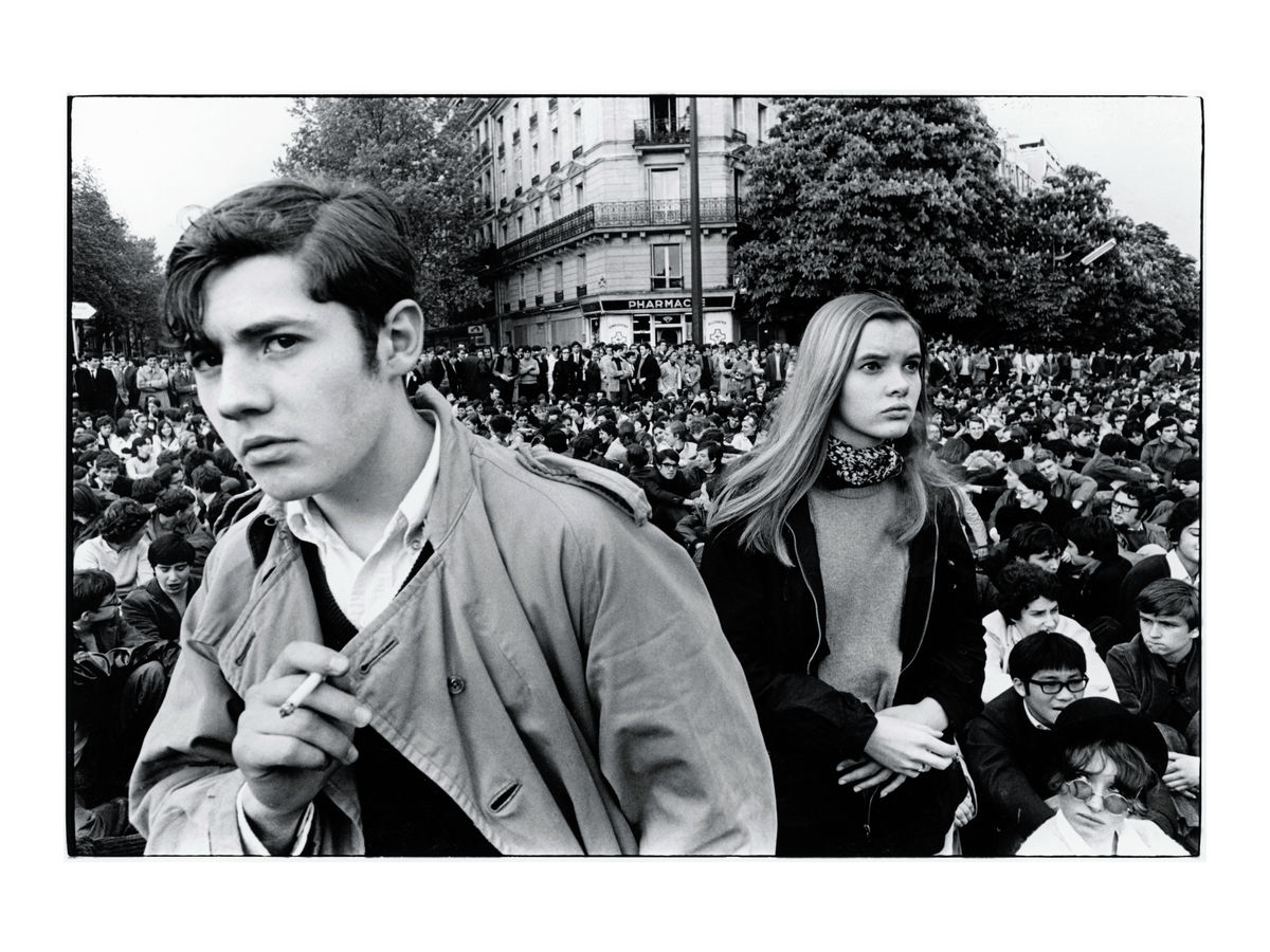 Students demonstrate in Paris, 10 May 1968