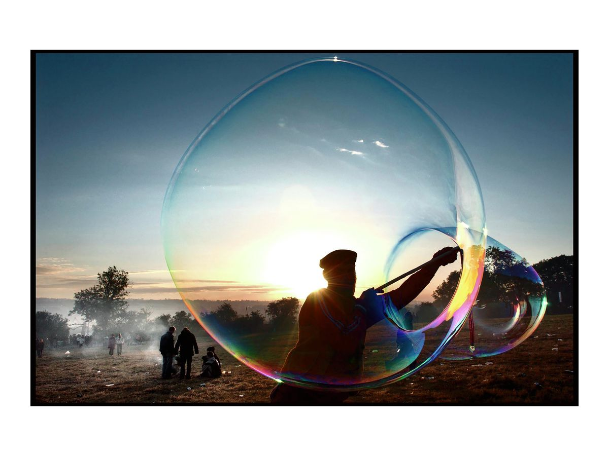 Giant bubbles at dawn, 2004