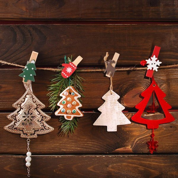 Christmas Wooden Photo Hanging Peg 24 Pack