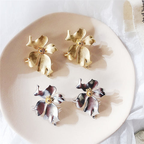 Vintage Metal Flower Big Stud Earrings - Thallo Shop