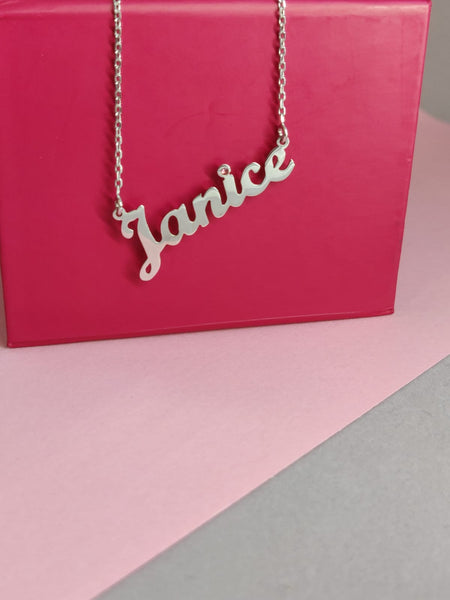 Personalised Name Necklaces - Ultimate Guide