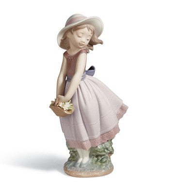 Pretty innocence Girl Figurine (1008246)