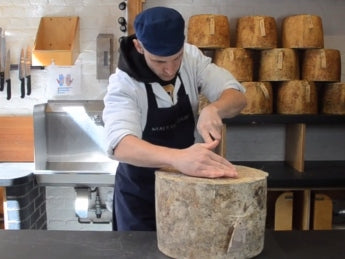 How to cut a clothbound cheese [part 1]
