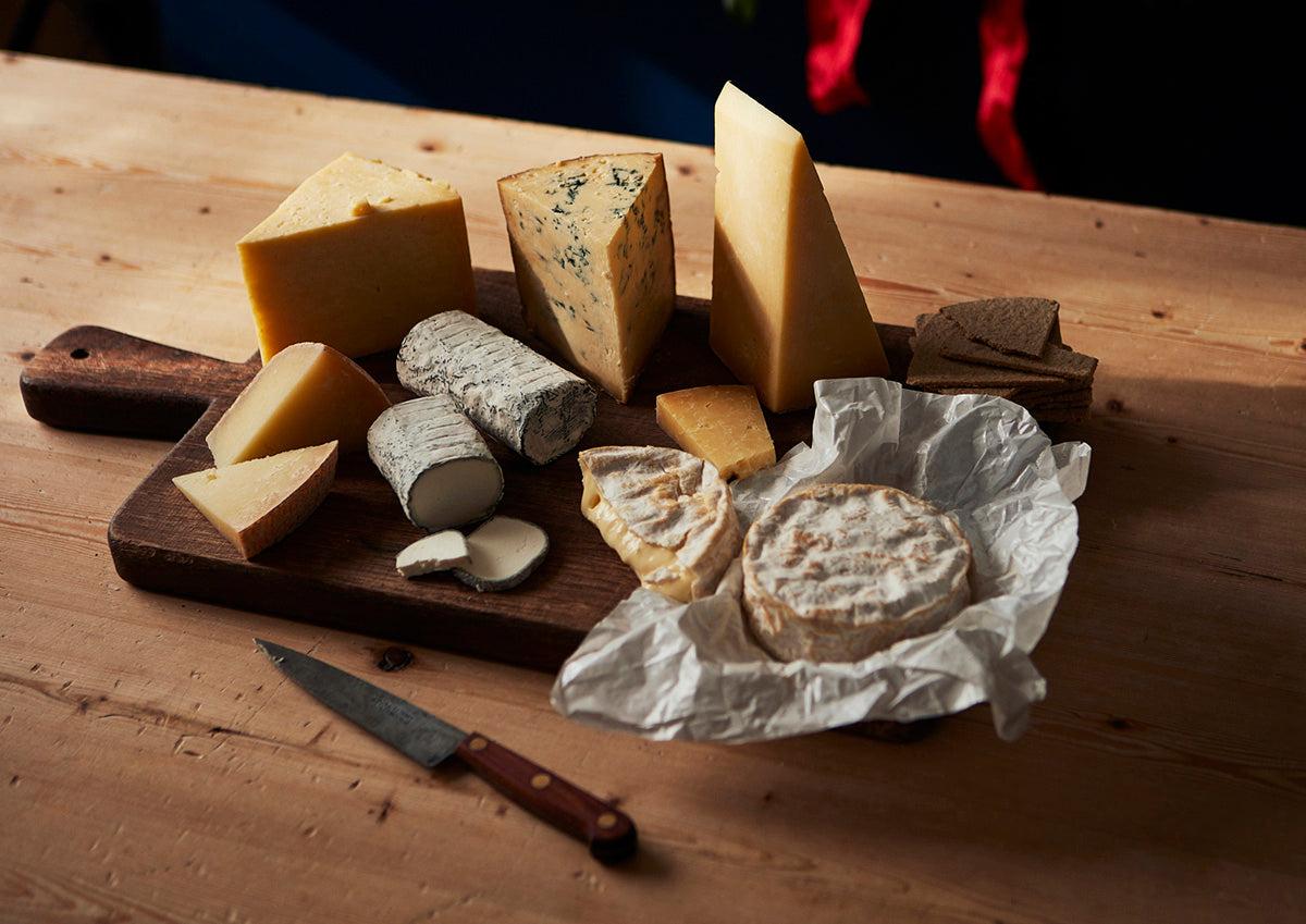 Cheese Care and Sharing Tips for Your Christmas Cheeseboard