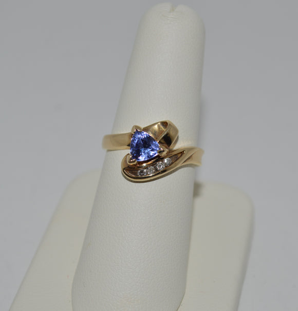Tanzanite and Diamond Gold Ring
