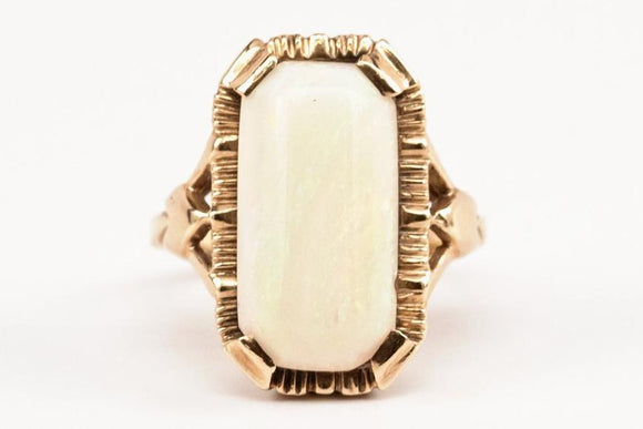 10K Gold and Opal Ring