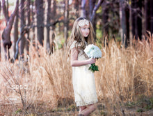 Load image into Gallery viewer, Flower Girl Dresses-Rustic Flower Girl Dresses-White Vintage girl dress-Country Dress-Flower girl dress-Girls Lace Dress-Communion Dress