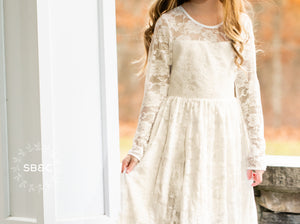 Flower Girl Dresses-Rustic Flower Girl Dresses-Ivory Vintage girl dress-Country Dress-Flower girl dress-Girls Lace Dress-Communion Dress