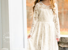 Load image into Gallery viewer, Flower Girl Dresses-Rustic Flower Girl Dresses-Ivory Vintage girl dress-Country Dress-Flower girl dress-Girls Lace Dress-Communion Dress