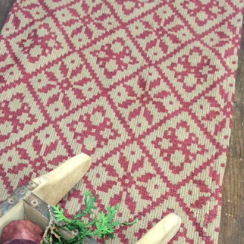 Christmas Rose Throw Red/Cream - Farmhouse-Primitives