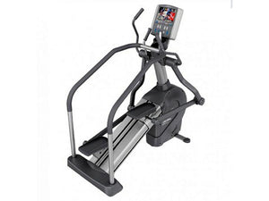 Factory photo of a Refurbished Life Fitness 95Le Summit Trainer