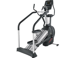 Factory photo of a Refurbished Life Fitness CLSL Integrity Series Summit Trainer