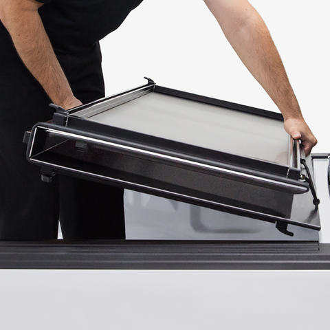 Lightweight and easy to install: the Access Lomax truck bed cover