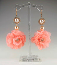 Load image into Gallery viewer, Buttercup Drop Earring