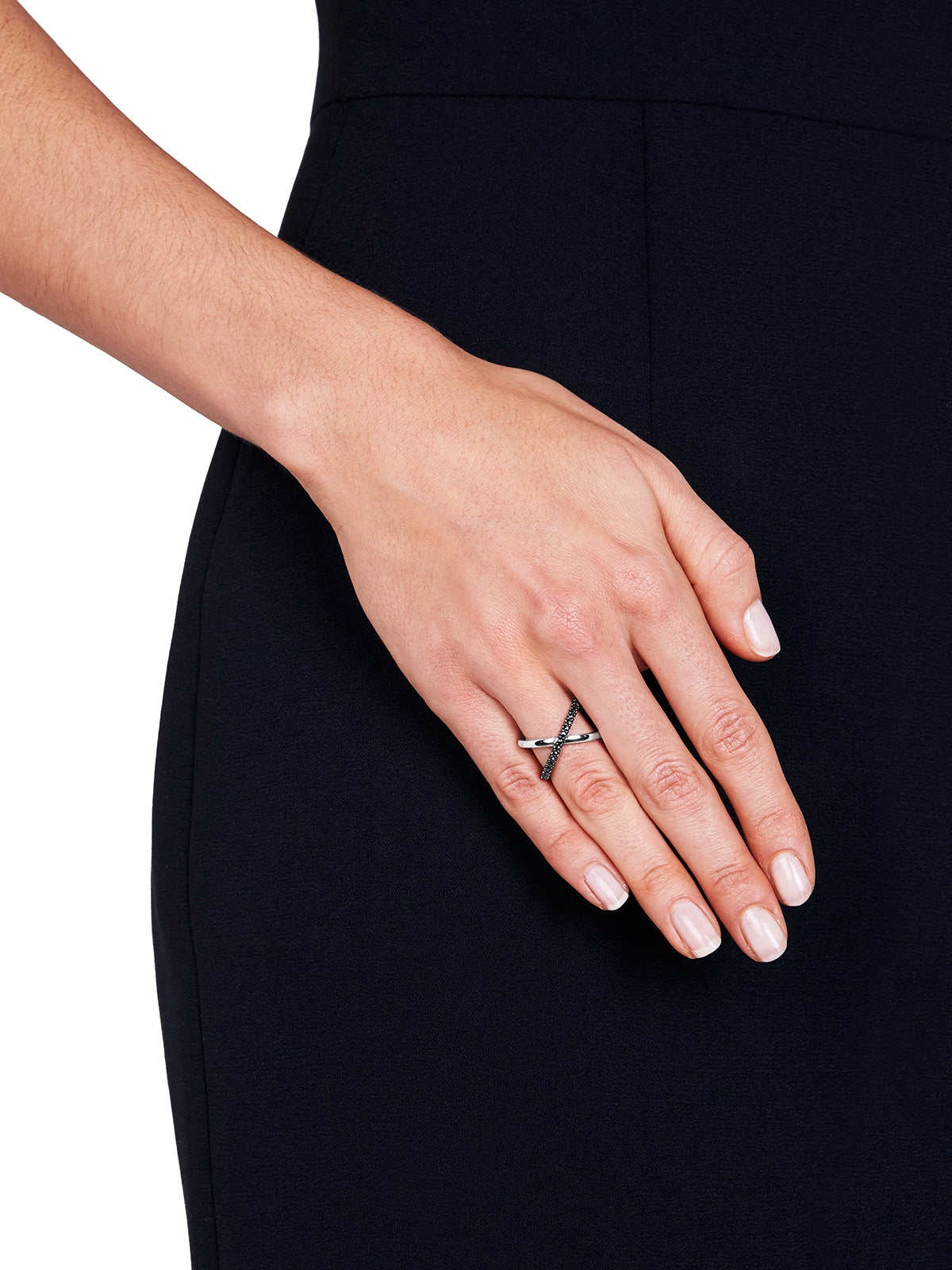 KATIA Single Crossover Black Diamond Ring