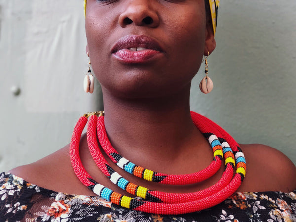 woman wearing Zuri african maasai red beaded necklace | 2 Sydney Stylists Loves
