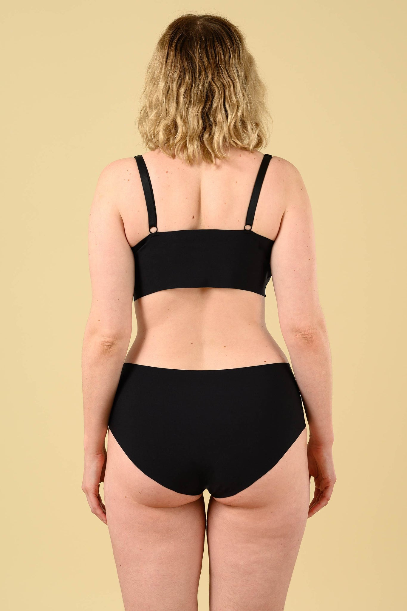 Okko Seamless Brief in Onyx