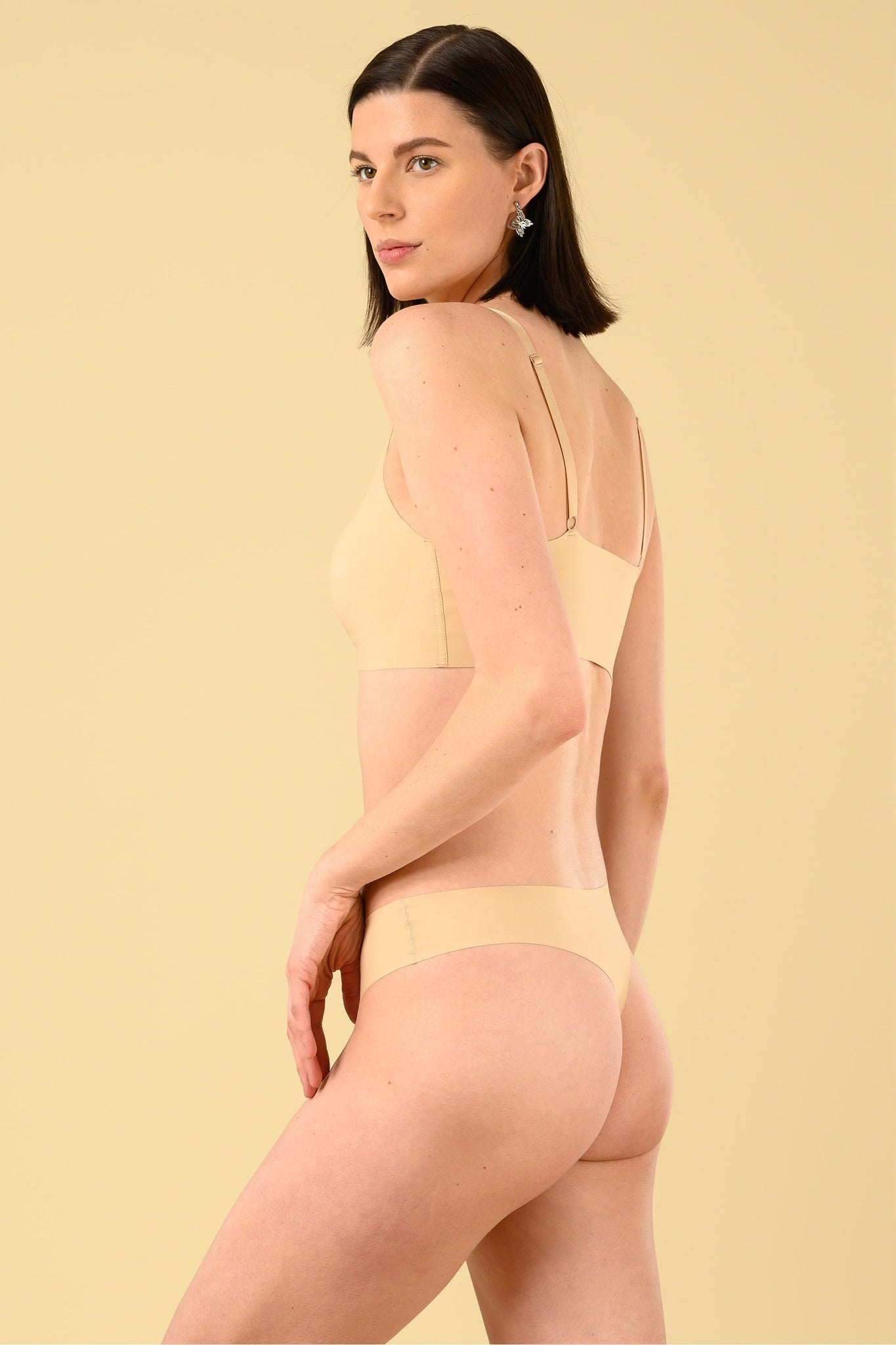Okko Seamless Thong in Creme