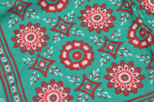 Load image into Gallery viewer, Emmett Hand MadeMedallion Linen Pocket Square - Green & Red