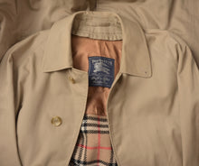 Load image into Gallery viewer, Burberrys Trench Coat & Novacheck Wool Lining Size 50 Beige/Tan