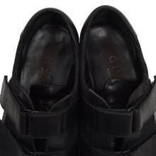 Load image into Gallery viewer, Gucci Velcro Sneakers Size 42 - Black