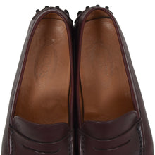 Load image into Gallery viewer, Tod's Leather Driving Shoes Size 9 - Burgundy