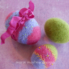Load image into Gallery viewer, marie mayhew woolly eggs pattern