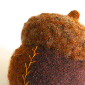 wool acorn pincushion pattern
