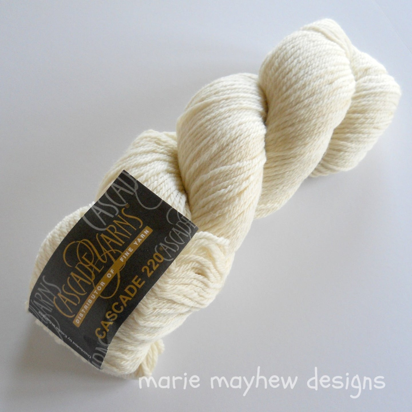 cascade 220 worsted weight cream yarn