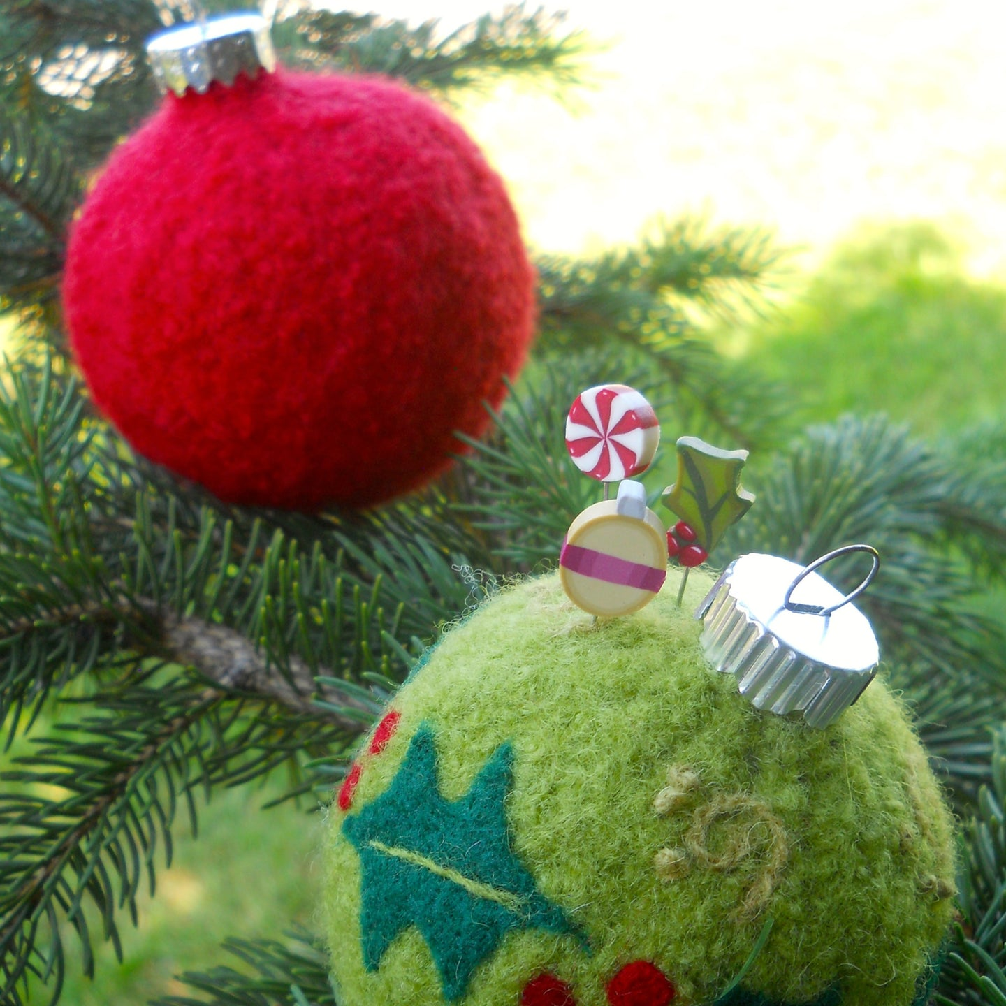 marie mayhew's holly-dazzle ornament pincushion pattern