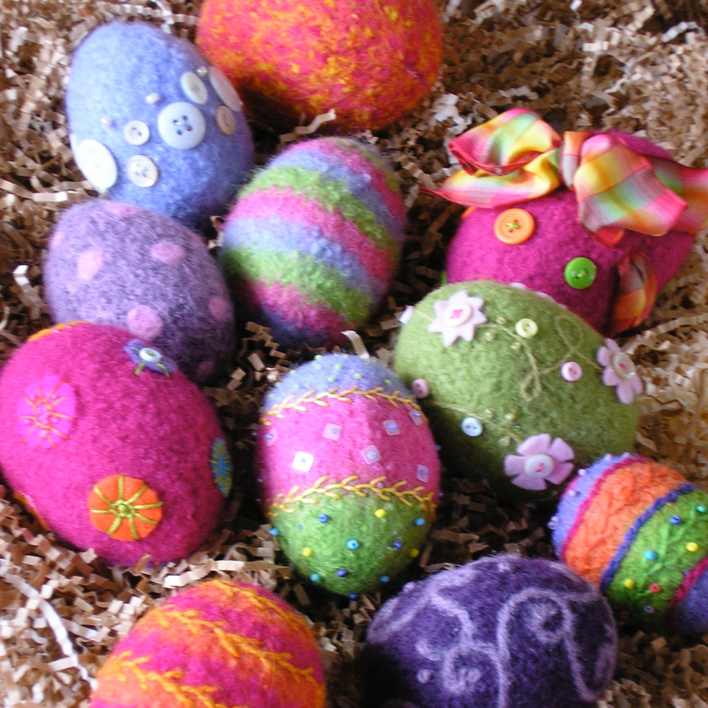 marie mayhew's woolly eggs pattern