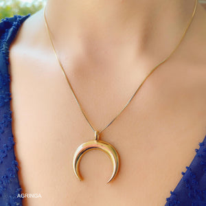 Smooth New Moon Necklace - 18k Gold Plated